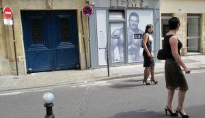 Parisian-women-paris-france+1152_12806503633-tpfil02aw-22757